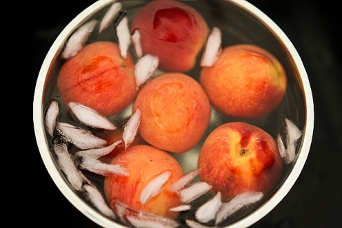 How to remove skins from peaches